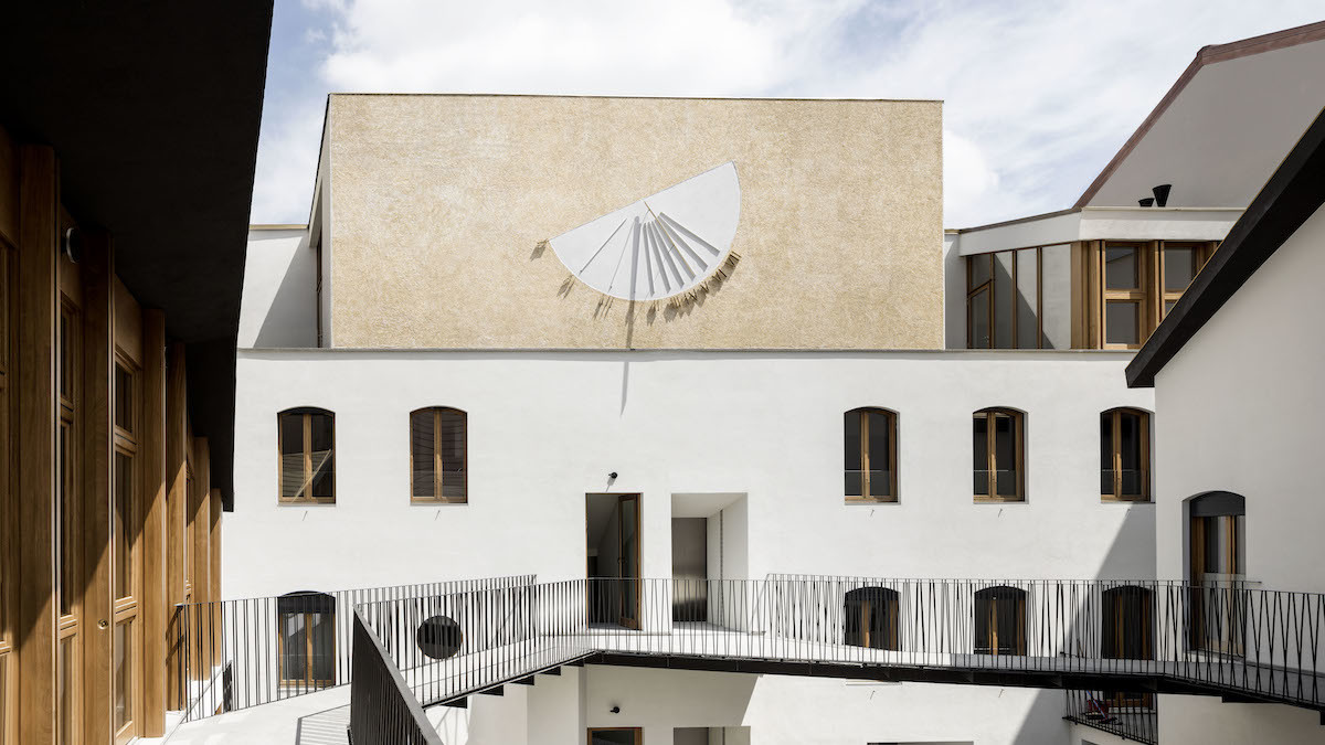 De amicis architetti via canonica 79 refurbishment milan traditional milanese building sundime